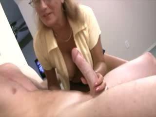 Momen jag skulle vilja knulla helps babes till upptäcka deras sexuality