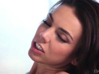 ideāls brunete, hardcore sex jautrība, vairāk mutisks sekss visvairāk