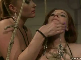 優雅 情婦 punishing 巨乳 紅發