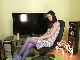 팬티 스타킹 비밀: 뿔의 브루 넷의 사람 simona 에 blue 팬티 스타킹 장난감 그녀 자신