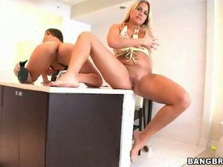 Alanah Rae & Alexis Breeze giving deep throats