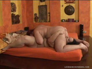 Καυτά bbw λεσβίες licking labia