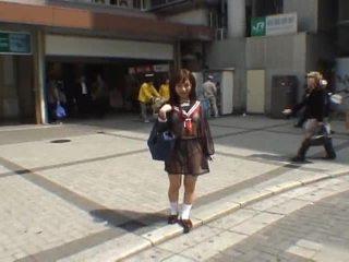 Mikan astonishing aasialaiset koulutyttö enjoys julkinen flashing