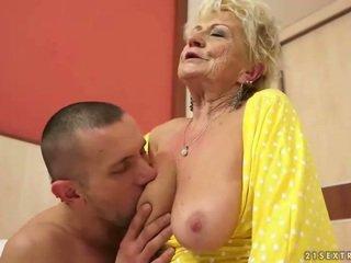 Barmfager besta gets henne hårete fitte knullet