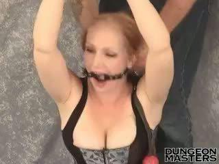 Aheldatud blond ori sisse seksikas korsett tori gets gagged üles