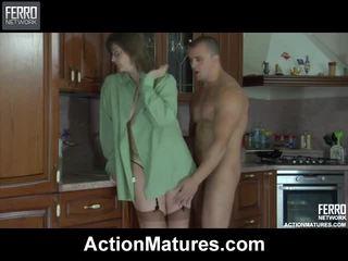 Blande av videoer av handling modnes