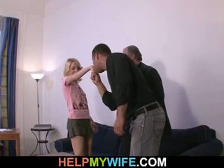 Pomoč my žena: old man pays srečen dude da jebemti njegov potrebni
