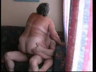 جدة ركوب الخيل شاق في أريكة فيديو
