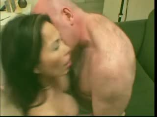 Sexy Mature Slut Asian Lai Loves It In Deep