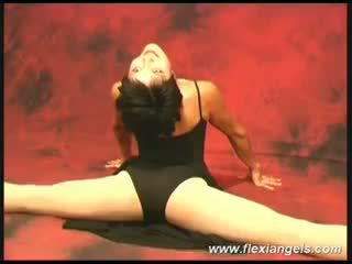Muda penari balet aida