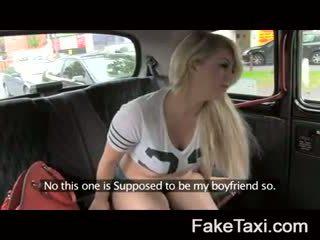Fake taxi kamera ljudje having drx om fake taxi