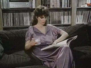 Kay parker трахкав в той час як спостереження порно