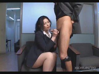Chinami sakai nhật bản thư ký gives một nóng blowjob