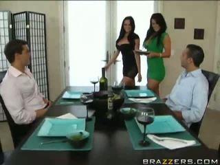 Caldi sesso a quattro con audrey bitoni e savannah stern video