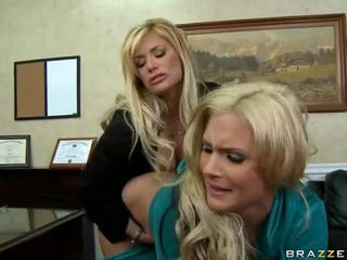 Shyla stylez i phoenix marie are two gorące blondes