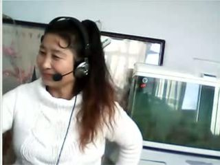 Chinese mom aku wis dhemen jancok shows breast and kathok