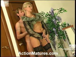 Agatha y rolf malvado mamma dentro acción
