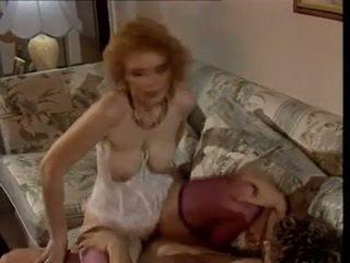 Sexy milf - saggy tette - retro anale