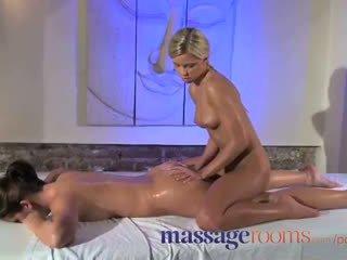 Masáž rooms clit třít pro ji orgasmu s masseuse