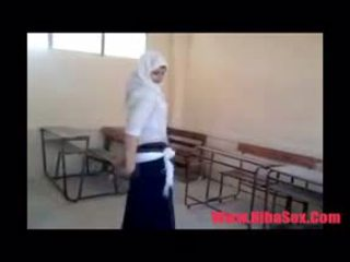 Arab egypte dance σε σχολείο