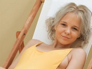 Jauns blondīne pusaudze monroe filthy siesta daļa 1