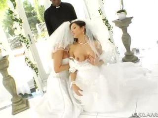 Lusty velika joški brides rit destroyed