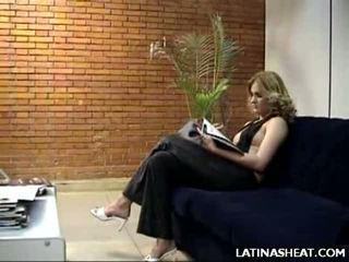 ラテン ベイブ adriana 表示 オフ 彼女の ミルク cans