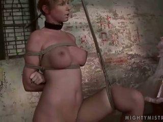 ミストレス painfully punishing 彼女の slavegirl