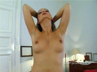孩兒 sandra shine stripping 和 teasing 在 她的 室