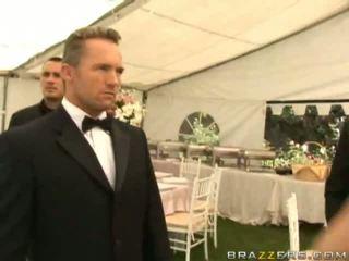 Dirty Wife Fucking Onto Her Wedding Day Hardcore