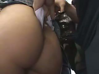 Arg koolitüdruk reluctant rong orgasm