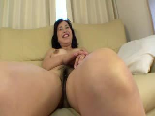Asian Hooker receiving several clit stimulations with Dildos