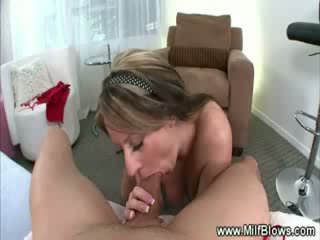 Mom aku wis dhemen jancok striptease then gives hot bj