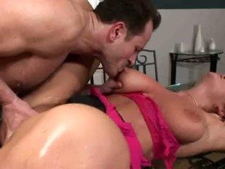 Breasty christina jolie acquires ji soaking mokrý twat rammed s stiff těžký kohout