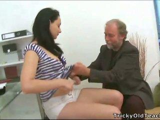 Trojček seks s učitelj