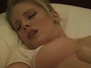 Jennifer avalon (tracy smith) dulkinimasis pati su a dildo