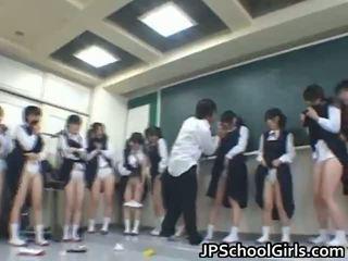 Aasia students sisse the klassiruum are