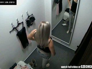 Voyeur fin blond fitting undertøy