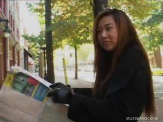 Ben gives lost الآسيوية ناضج tripist directions إلى له dong