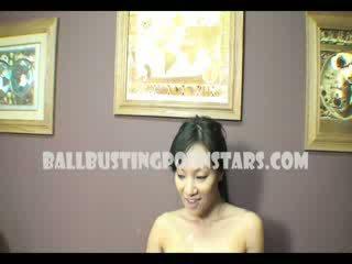 Asa akira aasia naisdomineerija ballbusting suhuvõtmine