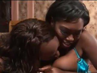 ผู้หญิงผิวดำ ทารก ให้ ดี ใช้ปากกับอวัยวะเพศ วีดีโอ