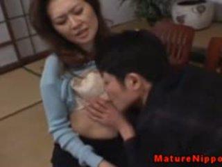 Maturidad asyano gets kanya mabuhok box licked