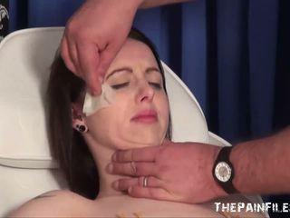 Emilys extremo aguja tortura y gagged médico