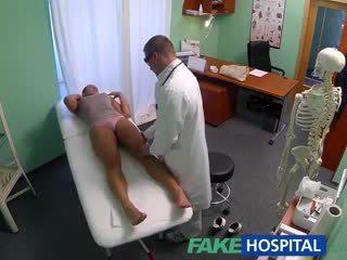 Fakehospital kotor milf seks addict gets kacau oleh itu dokter sementara dia suami waits