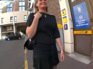 Coralie francúzske vyzreté v podkolienky, anál fucked