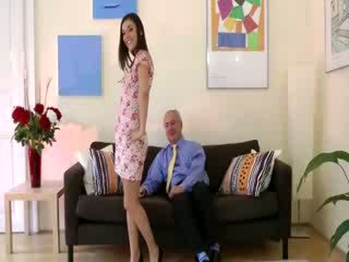 Horny old dude watches babe model