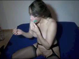 alotporn aiguilles dans les seins