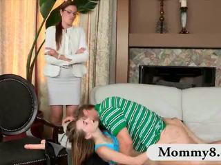 الخطوة أمي samantha ryan و في سن المراهقة ava hardy بوضعه مبادلة