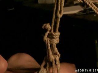 華麗 情婦 punishing 她的 性別 奴隸