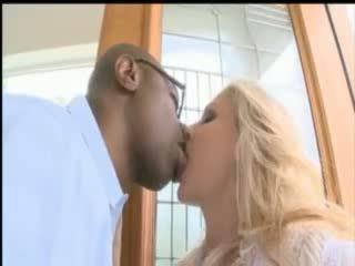 Cycate blondynka gwiazda porno julia ann wziąć a ogromny czarne kutas w górę jej tyłek